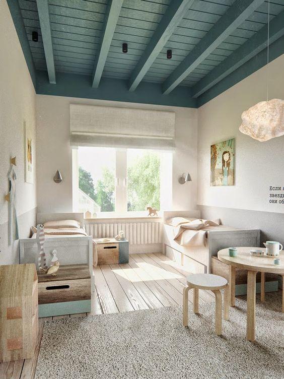 Peindre le plafond en couleur