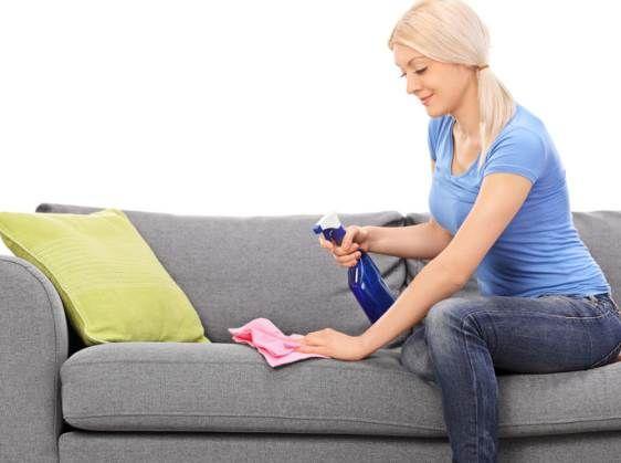Comment nettoyer un canapé en tissu